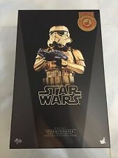 Hot Toys MMS 364 Star Wars Stormtrooper (Gold Chrome Version) Shanghai Disney