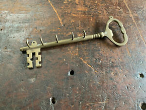 Vintage Skeleton Key Brass Wall Mount Key Holder