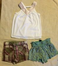 Lot Of Baby Girl Toddler Clothing Baby Gap  Size 4 Years 2 Shorts 1 Cream Top