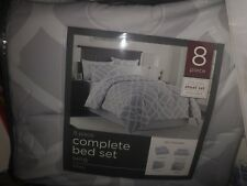 Bed Bath & Beyond 8 Piece King Kiley Bed Set Brand New