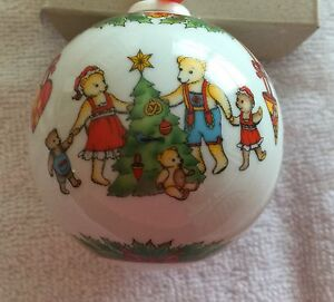 HUTSCHENREUTHER PORCELAIN 1997 TEDDY BEARS CHINA BALL ORNAMENT  -  NEW IN BOX