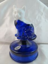 FENTON SITTING CAT on FONT COBALT & WHITE HEAD FACE SAMPLE ROOM EXCLUSIVE
