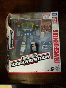 Transformers Netflix War for Cybertron Trilogy Voyager Class Soundwave Battle