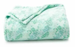NEW Green Mosaic Throw Blanket Oversize Super Soft 60x72 HOLIDAY GIFT