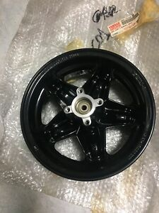 Yamaha 4SB-F5168-00 jante roue avant noir CW50RS 50 Booster next generation NEUF