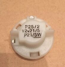Toyota Yaris rear brake stop and tail light lamp bulb holder P25/2 NEW 2001-2005