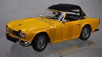 Jadi 1:18 1961 Yellow Triumph TR4 Roadster Cabriolet Sports Car Detailed Toy Box