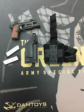 Damtoys 78057 Green Beret  ( Expo. edition)  - 1:6th Scale Pistol set
