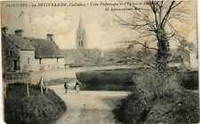 CPA   Douvres- La Délivrande(Calvados) - Coin Pittoresque et l'Eglise ..(515618)