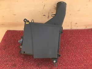 116K MERCEDES W221 W216 CL600 S600 RIGHT ENGINE INTAKE CLEANER FILTER BOX OEM