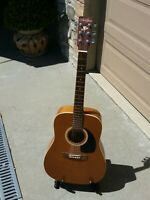 Art & Lutherie Acoustic Guitar Canada With Case