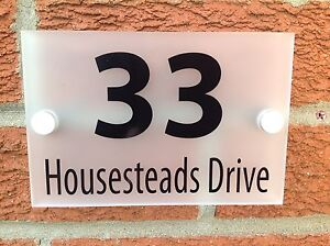 200x150mm HOUSE SIGN / PLAQUE 5MM FROSTED ACRYLIC + ALUMINIUM STAND OFF FITTINGS