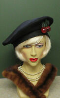 1940S BLACK FELT HAT WITH CHERRY DECORATION