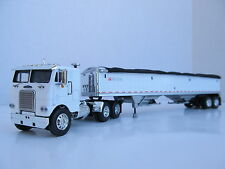 DCP 1/64 SCALE WHITE FREIGHTLINER CABOVER WHITE W WILSON GRAIN TRAILER WHITE