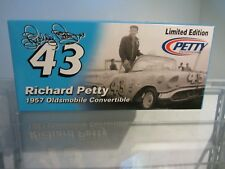 Richard Petty #43 1957 Oldsmobile Convertible 1/24 Scale NASCAR RC2 Diecast car