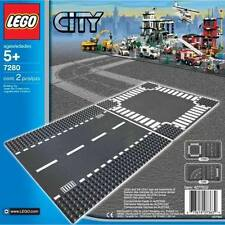 LEGO CITY 7280 STRAIGHT AND CROSSROADS BASE PLATES SEALED BRAND NEW
