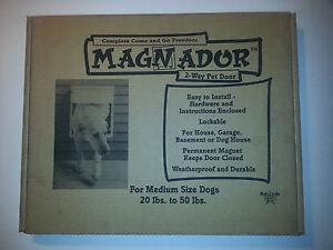 MAGNADOR TWO WAY PET DOOR (BRAND NEW) WHITE-SIZE MEDIUM