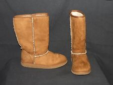 GIRLS 1-1/2 AIR WALK TAN SUEDE LIKE MATERIAL WITH FUR TRIM SLIP ON BOOTS EUC
