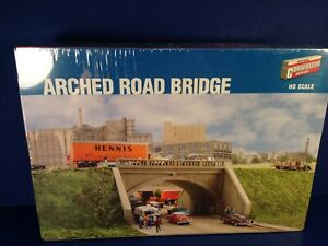 Walthers Cornerstone HO Scale ARCHED ROAD BRIDGE Kit #933-3196 NEW!