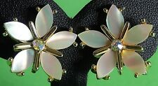 Vintage Earring Mother of Pearl Flower Rhinestone Centre by Tara GT Clip VGC 85