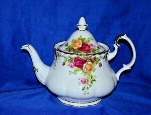 """Royal Albert Medium Teapot """"Old Country Roses"""""""