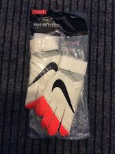 BRAND NEW Nike adult Unisex Goal Keeping gloves size 7