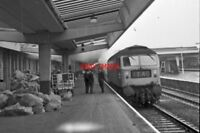PHOTO  CLASS 47 AT DERBY RAILWAY STATION 1970'S