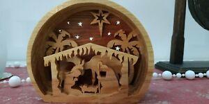 Mini crèche de noël ,la nativité en bois découpé.