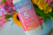 Metrin Womens Enriched Vita Conditioner (No. 5) - All Skin Types