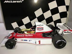 1:18 MINICHAMPS Emerson Fittipaldi Mclaren M23 1975 - Completo Marlboro Librea