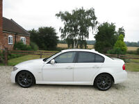 61 BMW 318i Sport Plus Edition Saloon Alpine White Black Dakota Petrol Manual