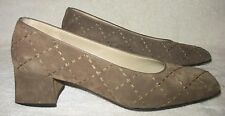 SALVATORE FERRAGAMO Women's SLIP-ON SUEDED LEATHER CLASSIC DRESS PUMPS Sz 8 1/2B