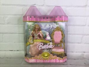 The Princess & The Pauper Barbie Mini Kingdom Anneliese Serafina Chair 2005 NEW