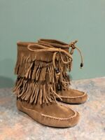 MINNETONKA WOMEN'S SIZE 6 DOUBLE FRINGE BROWN SUEDE MOCCASIN BOOTS 84653