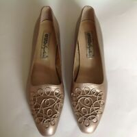 Vintage Enzo Angiolini Golden Women Shoes Flats size 10M made in Brazil