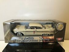 Motor Max 1958 Plymouth Fury 1:18 Scale Diecast Model Car . 6583