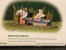 "(1) Department 56 Heritage New England Vilage #56.56644 ""Gathering Cranberries"""