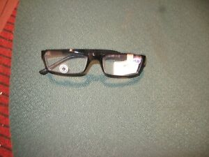 STUDIO OPTICAL 1.25 READING GLASSES FOR MEN OR WOMAN. BLACK HEAVY PLASTIC FRAME