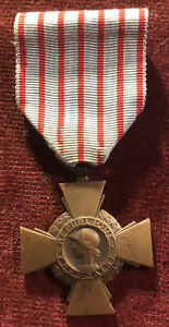 WW1 French Medal Combatants Cross 1914 - 1918 Stamped BR Army Military