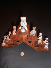 Wall shelf display wood with bear figures hanging wall what not holder