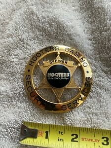 Vintage Hooters Casino Pin