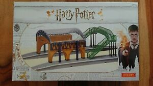 Hornby R7236 Harry Potter Platform 9 & 3/4 Building NEW