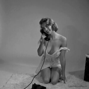 Bunny Yeager 1954 Camera Negative Photograph Sultry Pin-up On Phone Nanci White