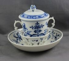 Meissen Blue Onion Trembleuse Cup & Saucer & lid Cross Swords (B)