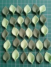 30 Edible Sugar Paste Two Shades of Green Leaves