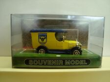 Oxford Diecast Bull Nose Morris Van Oxford United FC Limited Edition 894 of 1100