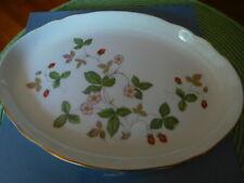 New ListingWedgwood Bone China England Wild Strawberry Oval Tray Gold Trim Nib