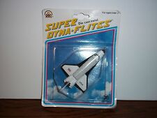 1993 ZEE TOYS--SUPER DYNA-FLITES COLUMBIA SPACE SHUTTLE ( NEW)