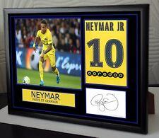 Neymar hommage PSG signé encadrée beau cadeau
