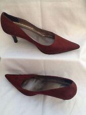 Patternless Faux Suede Narrow Width (2A) Heels for Women